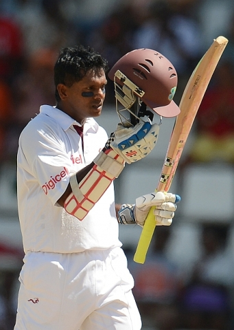Chanderpaul Reaches 10,000!