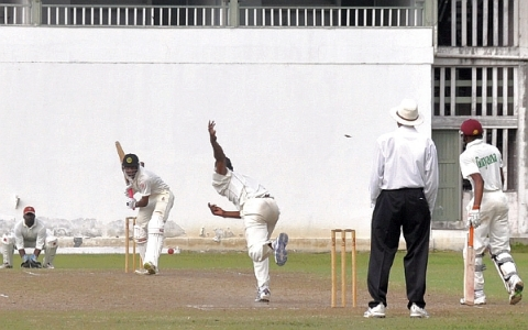Barnwell Drives in Practice Match