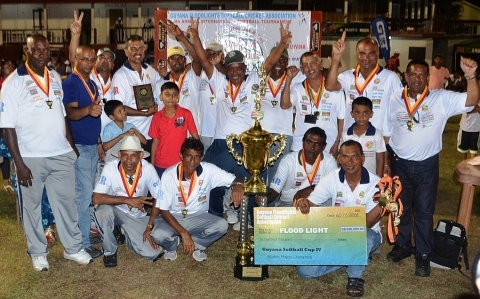 Floodlights: Masters Champs