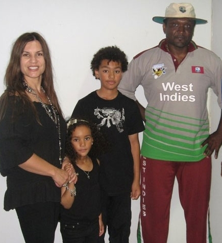 Hooper and Family, 2009